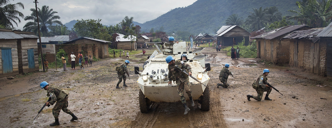 Uruguayan peacekeepers in the UN mission in the Democratic Republic of the Congo patrol the town of Pinga, in North Kivu Province, on December 4, 2013. UN Photo/Sylvain Liechti.